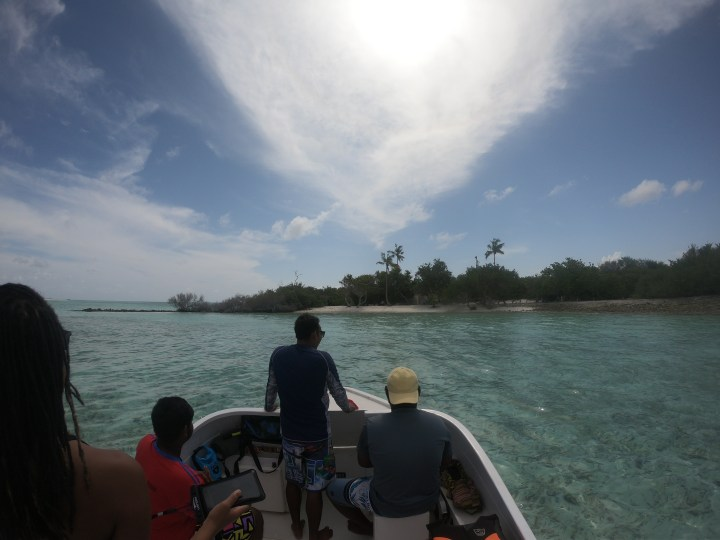 Alexis-Chateau-Imran-Rasdhoo-Atoll-Boat-Road-Madivaru