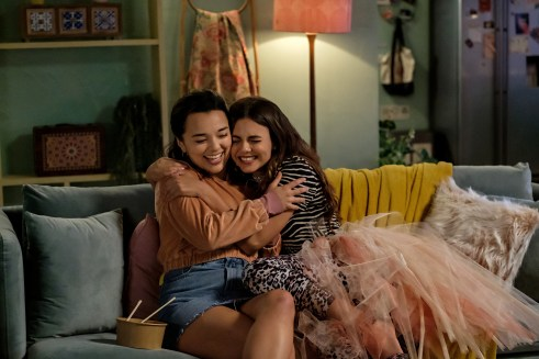 """Midori Francis and Victoria Justice in Netflix's """"Afterlife of the Party"""""""