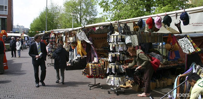 Waterlooplein-MARKETS-MERCADOS-AMSTERDAM-JUMPERS