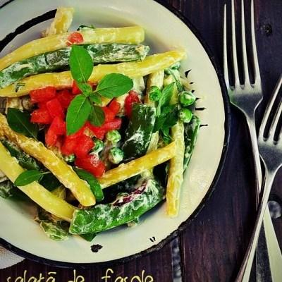 Salată de fasole și mazăre cu dressing de iaurt
