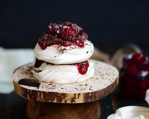 Black forest mini pavlova