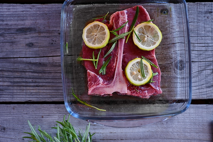 T-bone marinat - alex juncu - Bucataria familiei mele