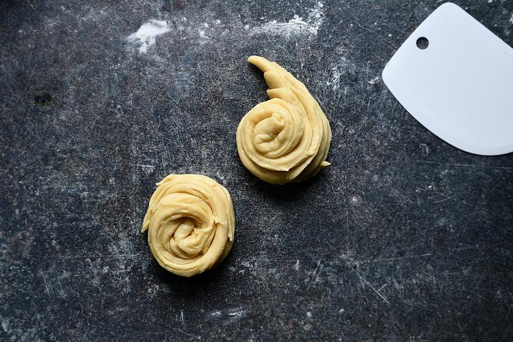Pregătire cruffin - Bucătăria familiei mele - Alex Juncu