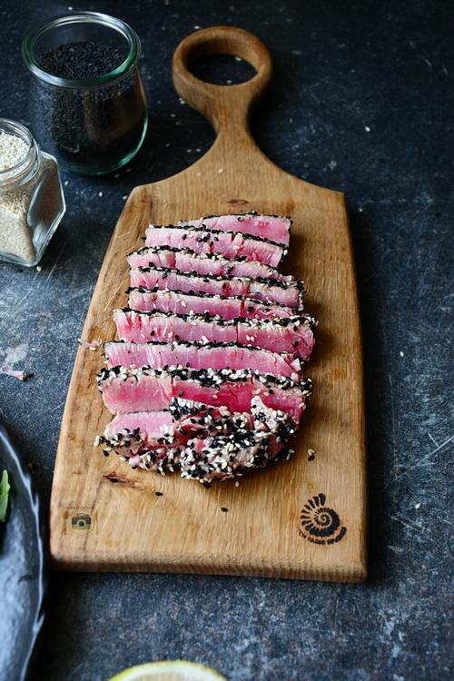 Steak de ton în crusta de semințe - Bucătăria familiei mele -www.alexjuncu.ro