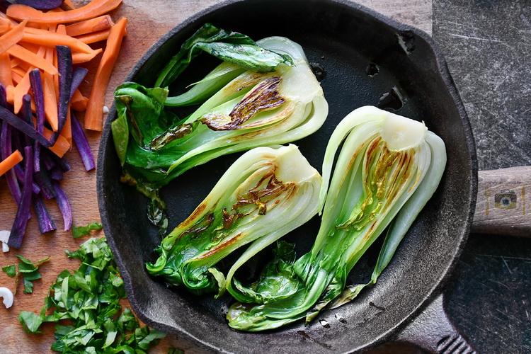 Bok Choy la tigaie - Bucătăria familiei mele - www.alexjuncu.ro