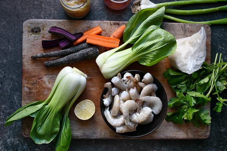 Creveți , usturoi și orez jasmine - Bucătăria familiei mele - www.alexjuncu.ro