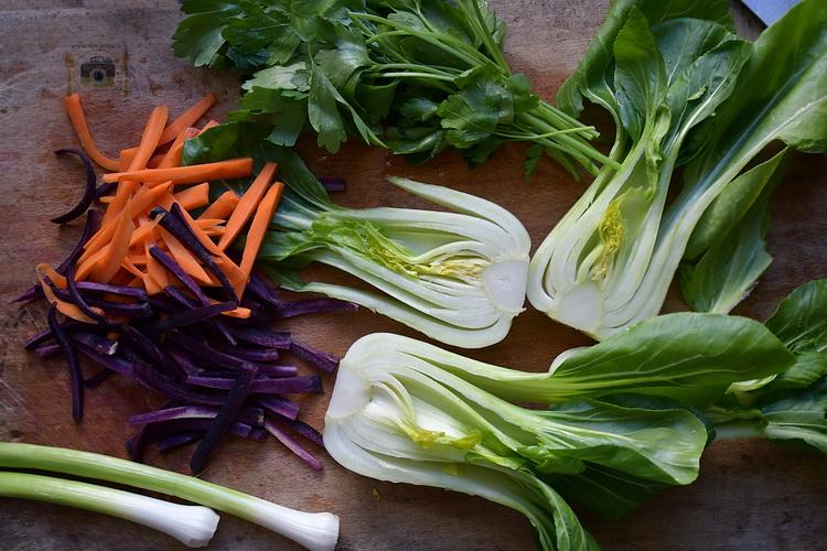 Creveți, morcovi colorati și orez jasmine - Bucătăria familiei mele - www.alexjuncu.ro