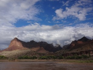 The rain stopped as we left Deso and entered Gray Canyon