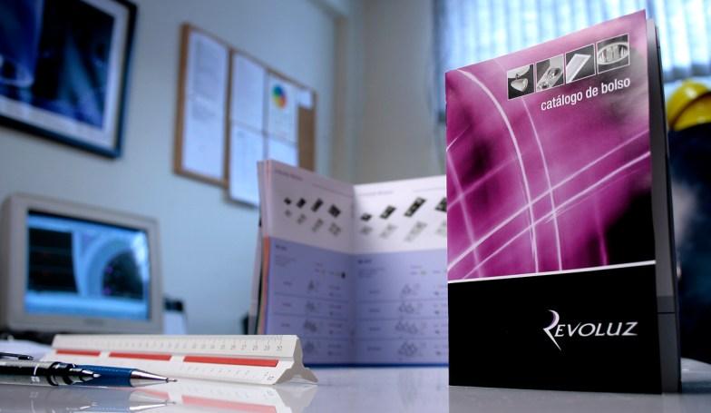 Catálogo de Bolso 2009 Revoluz