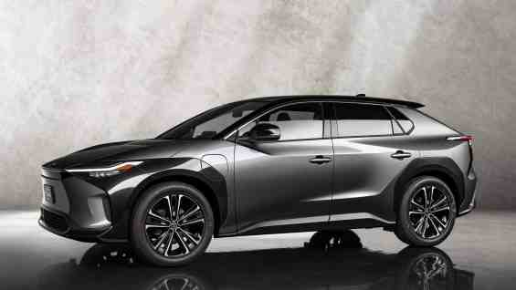 Toyota-bZ4X-Concept-side-01