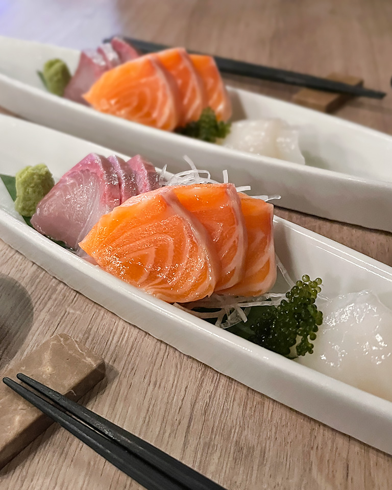 Marumo Omakase plate of yellowfin tuna, salmon and scallop sashimi