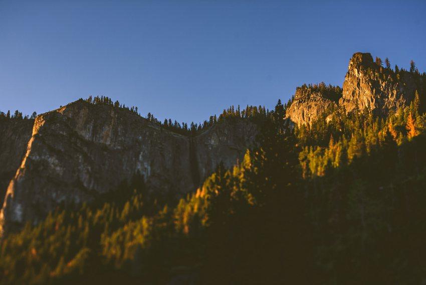 Sunrise light in Yosemite