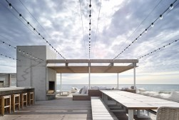"THE BRIDGEHAMPTON ""OCEAN DECK HOUSE"" WITH ALL-ROUND VIEWS 2"