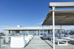 "THE BRIDGEHAMPTON ""OCEAN DECK HOUSE"" WITH ALL-ROUND VIEWS 6"