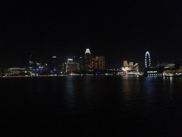 Bay area with the night lights. Огни ночного города.