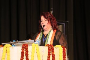 Alex Trenoweth speaking in Hindi