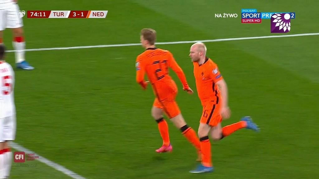 شاهد الهدف الاول ( 2-0 ) لصالح هولندا في شباك تركيا