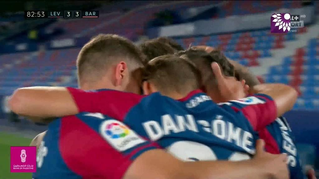 شاهد هدف التعادل الثالث ( 3-3 ) لصالح ليفانتي في شباك برشلونة