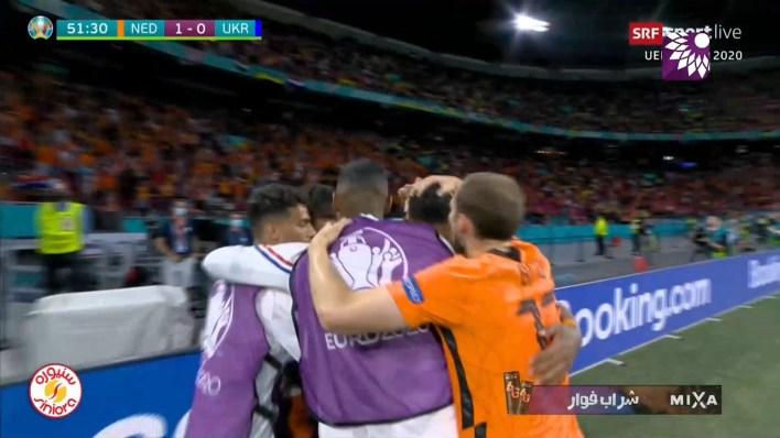 شاهد الهدف الاول ( 1-0 ) لصالح هولندا في شباك اوكرانيا