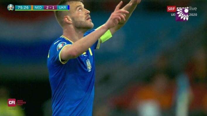 شاهد الهدف الاول ( 2-1 ) لصالح اوكرانيا في شباك هولندا