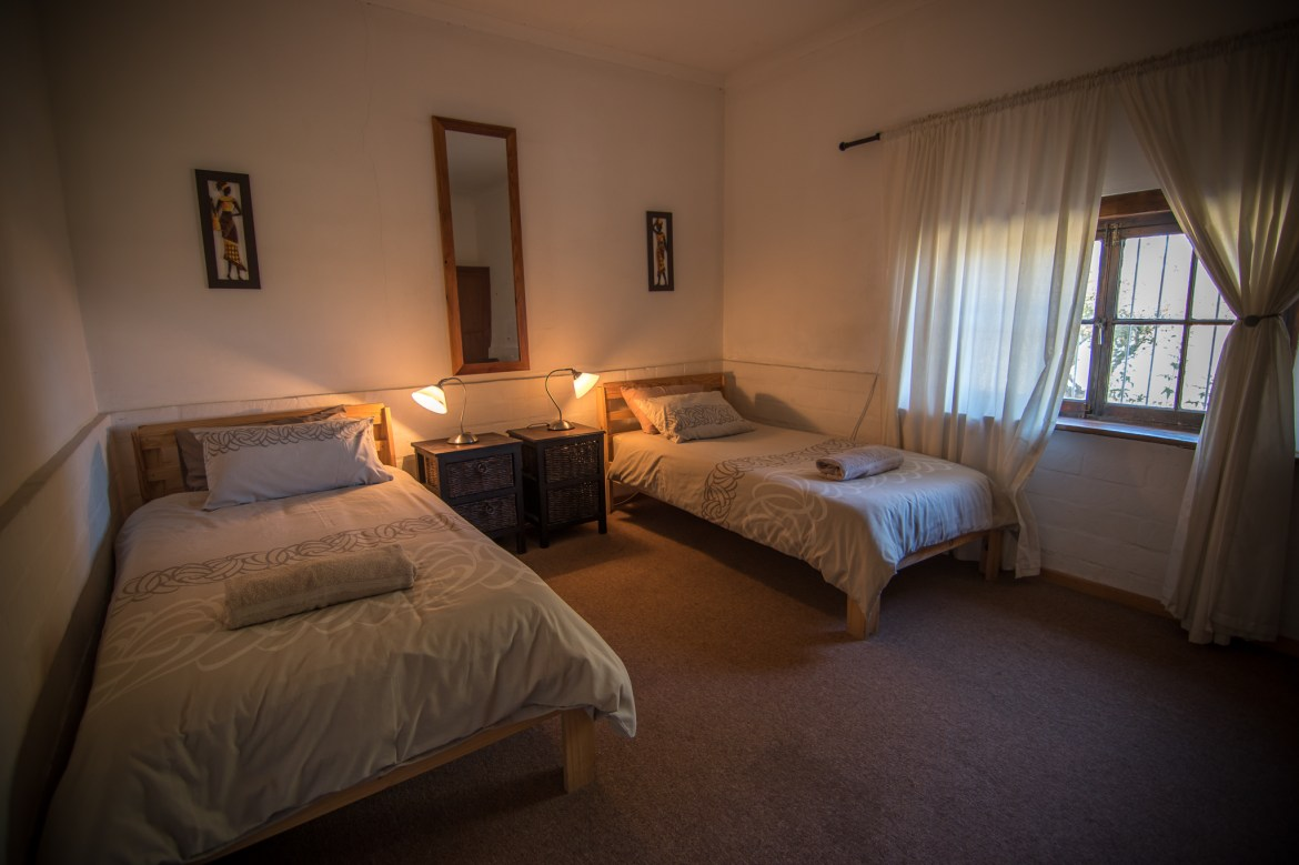 accommodation contractors vredendal self catering