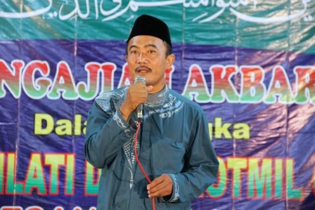 Pengasuh pon.pes Al Fattah KH.Muhammad Mahbub