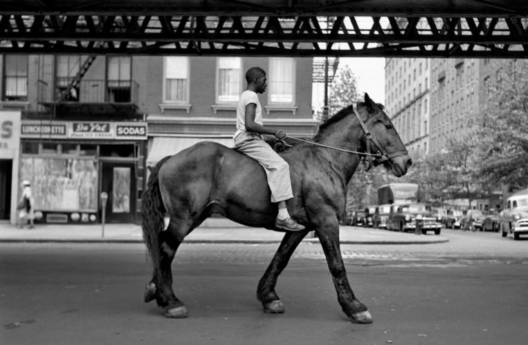 Vivian Maierin jatkonäyttely Valokuvataiteen museossa
