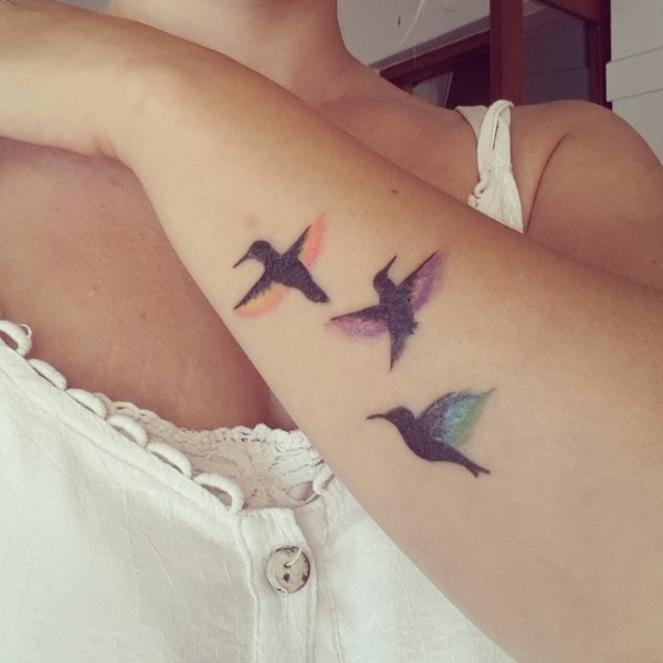 mom with tattoos 3 kids