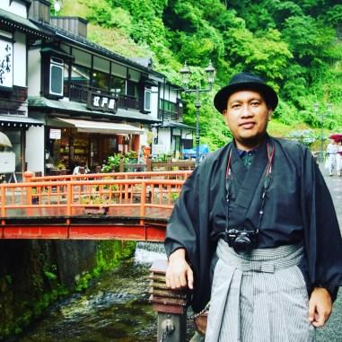 Try to dress extravaganza Kimono