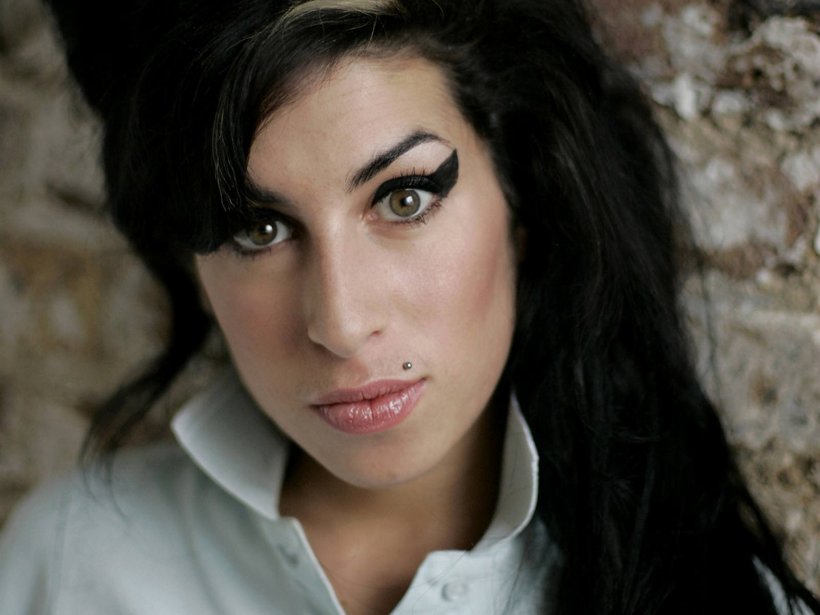 Hear Amy Winehouse talk about her duet with Tony Bennett