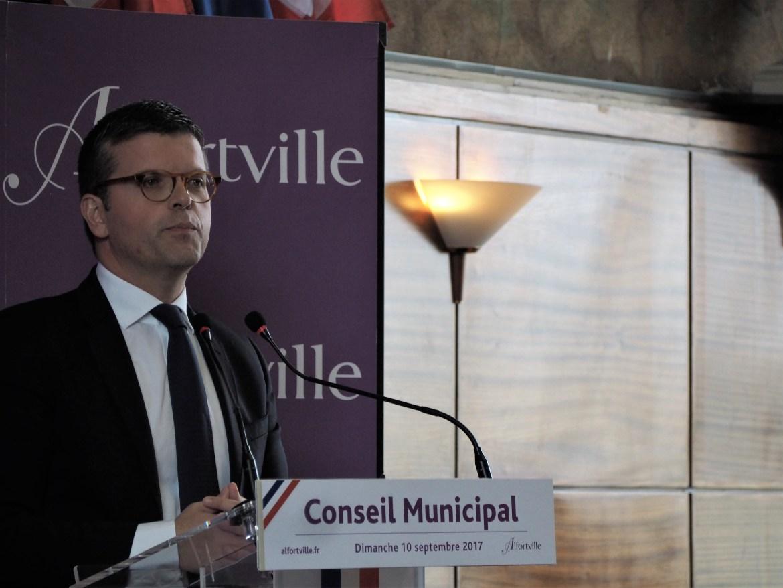 Alfortville Luc Carvounas Député passation de témoin à Michel Gerchinovitz