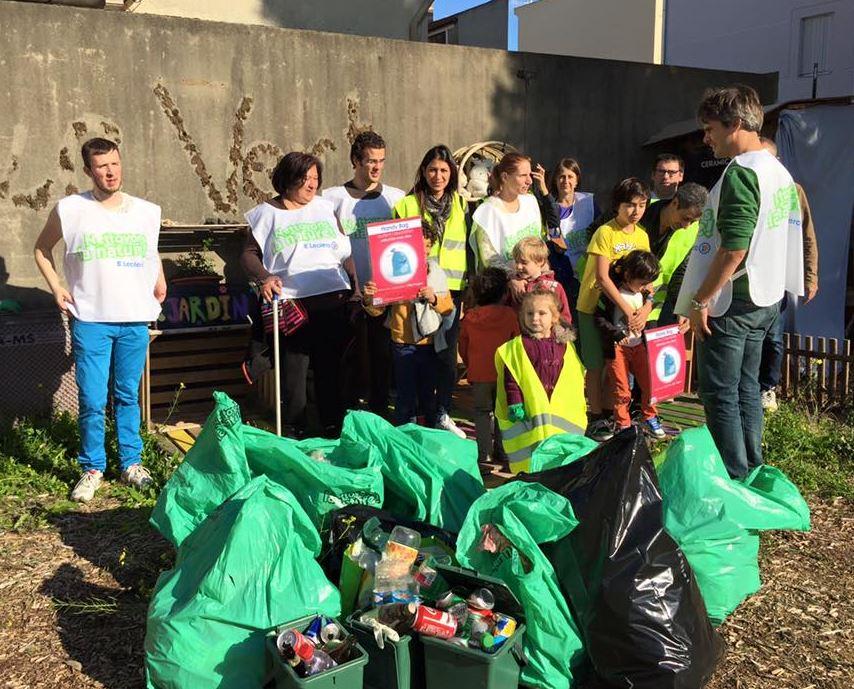 Alfortville, les habitants ramassent les déchets