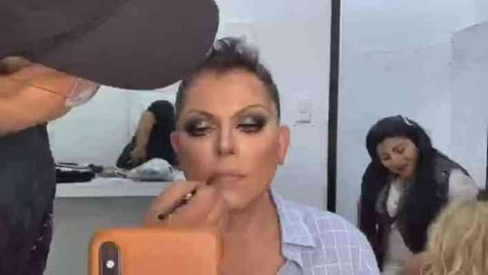 Ernesto Laguardia Luce Irreconocible Como Mujer