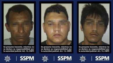 Photo of Agarran a tres sujetos con armas y drogas en un taxi libre