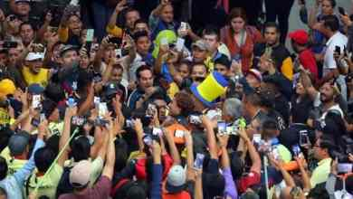 Photo of Memo Ochoa desata locura a su llegada a México