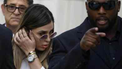 Photo of Arrestan a escolta de Emma Coronel por tráfico de drogas