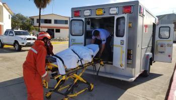 Marina realiza rescate de embarcación siniestrada con 13 tripulantes