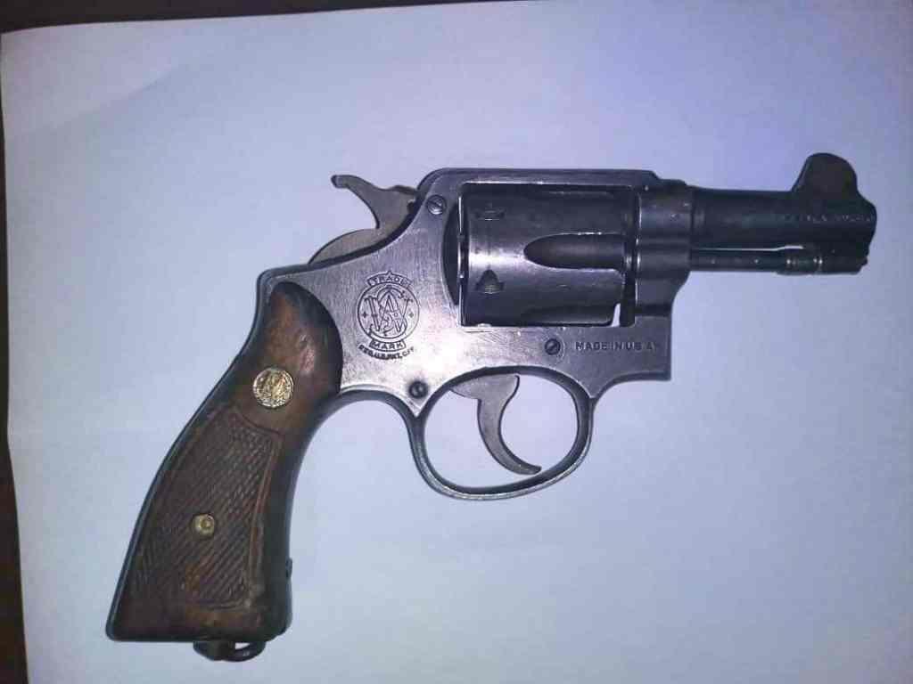 arma decomisada tras asalto