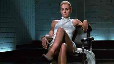 Photo of Sharon Stone recrea la famosa escena de 'Bajos Instintos'