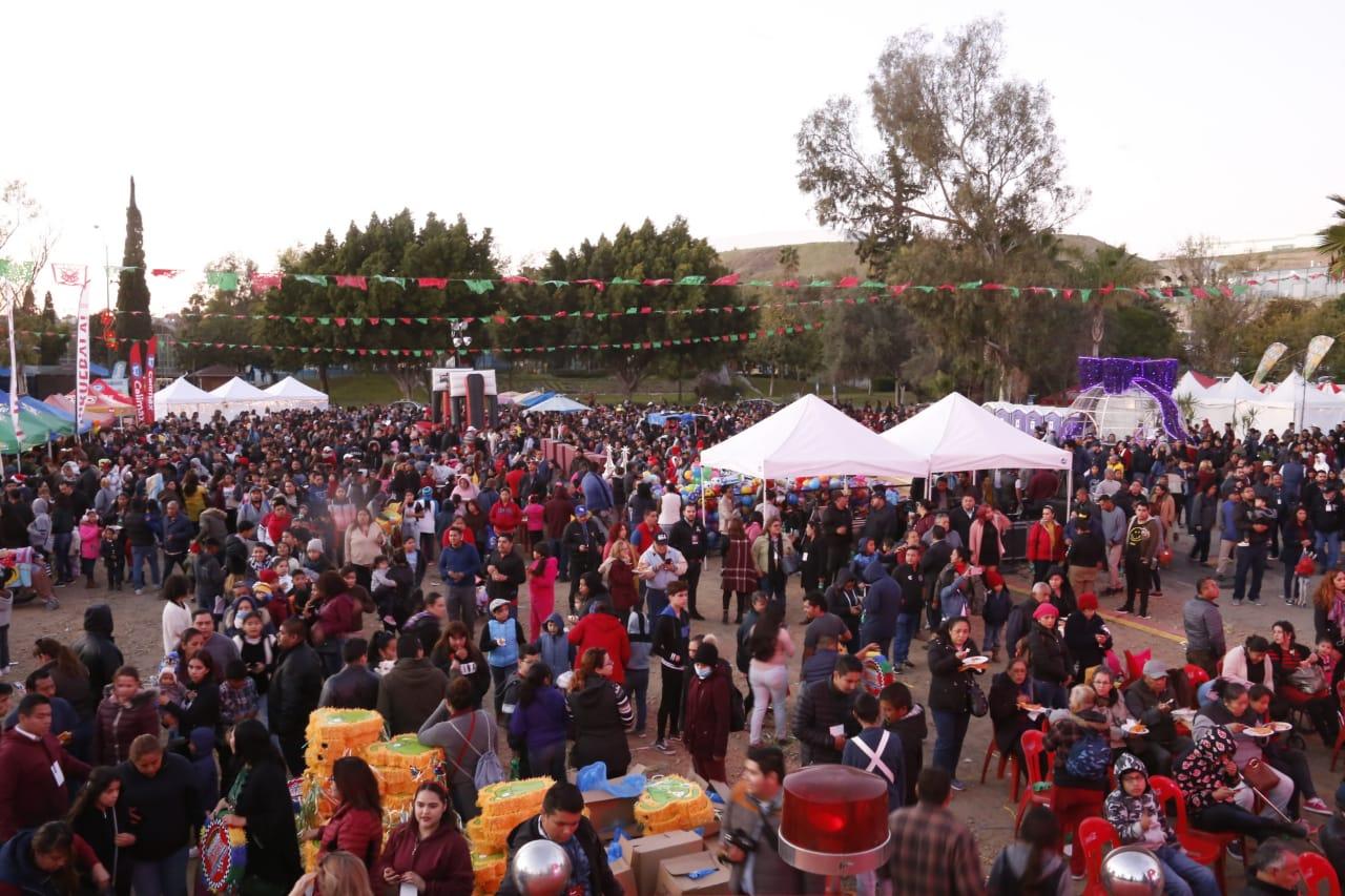 Disfrutan 15 mil ciudadanos de la Posada celebrada en el Parque Morelos