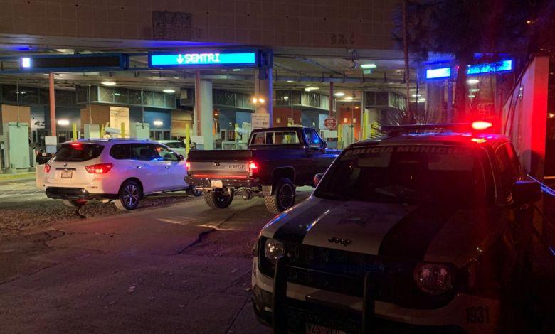 Photo of Cruces lentos por migrantes en carriles de auto para pedir asilo político