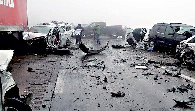 1 muerto, varios heridos y varados tras megacarambola