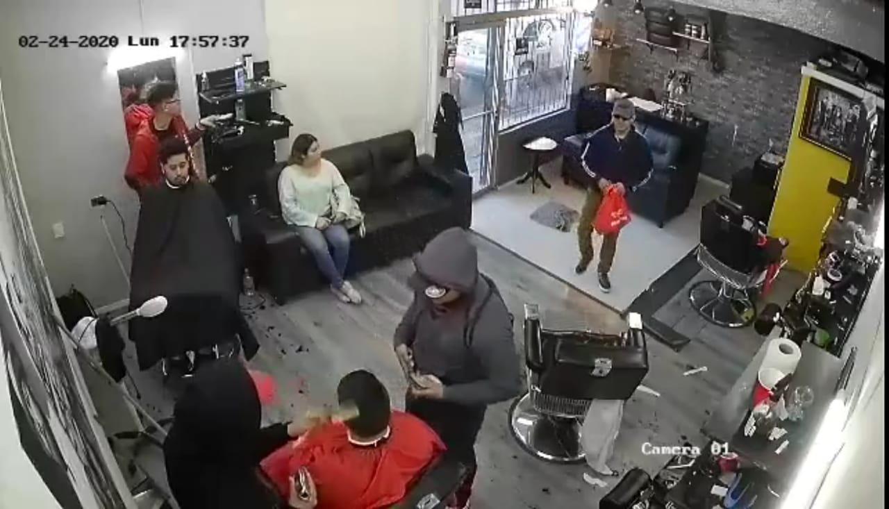 Otro asalto a comercio, hasta los clientes atracaron