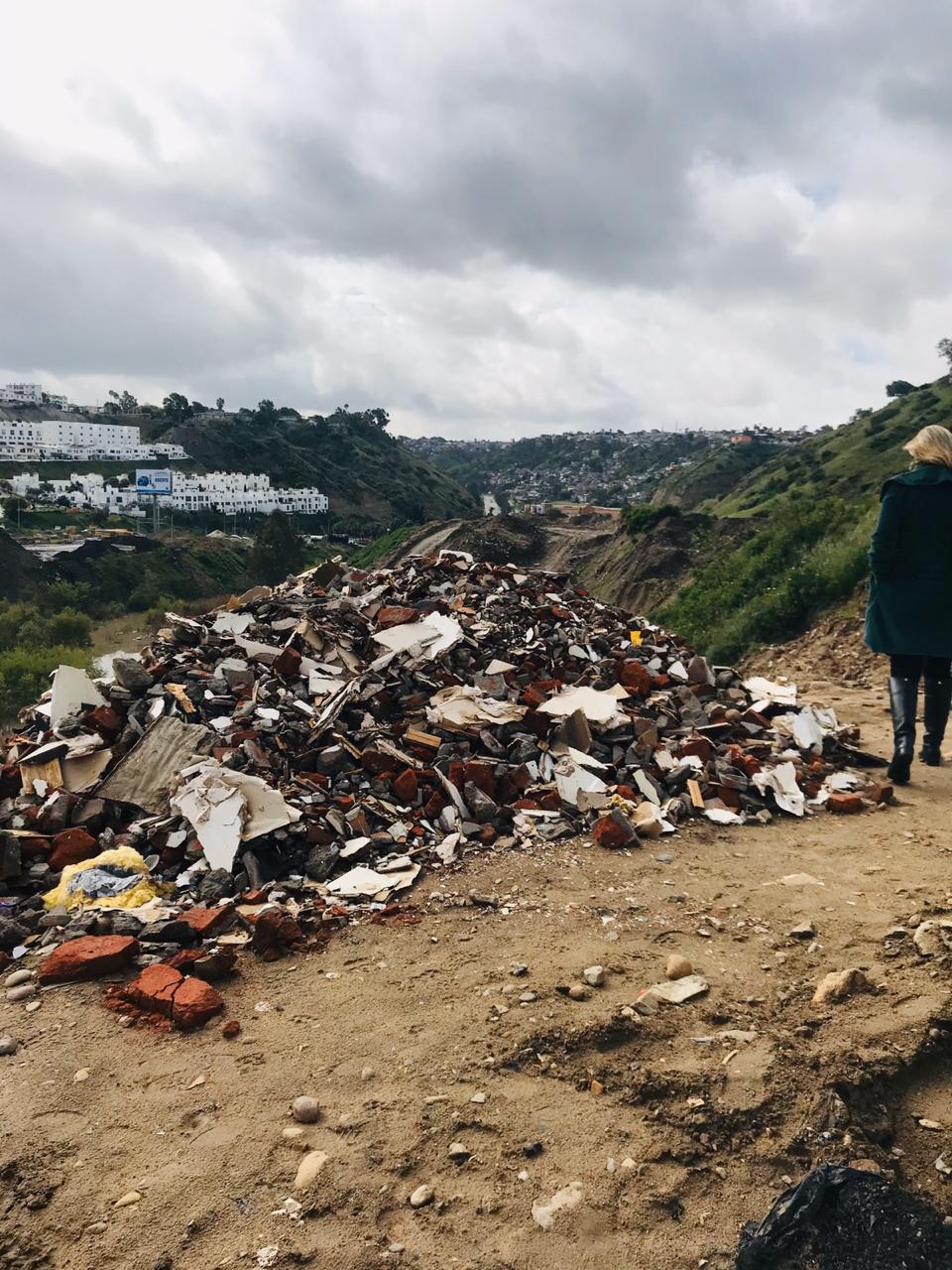 Otra vez inundan con basura el Cañón del Matadero