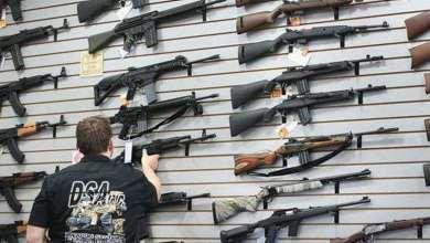 Photo of Aumenta venta de armas en EU, temen caos por coronavirus