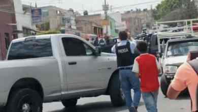 Photo of Maestra calma a alumnos durante balacera, les dice que son 'cuetes'