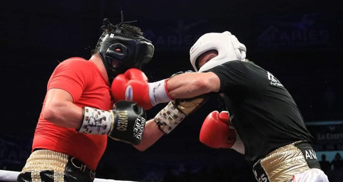 'Travieso' Arce envió a la lona al referee en pelea vs JC Chávez