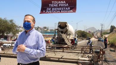 Photo of Arturo González supervisa obras de bacheo en el bulevar El Refugio