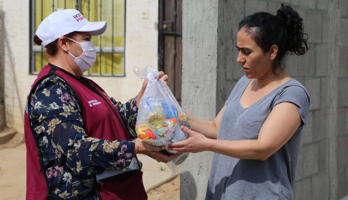 Ayuntamiento-distribuye-más-mil-despensas