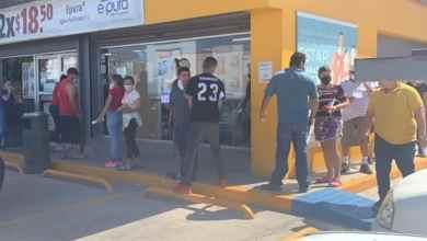 Photo of Violan la cuarentena y hacen enormes filas para comprar cerveza